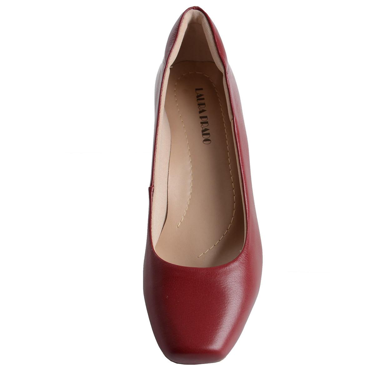 7acee6169 Sapato Fechado Baixo Confort Vermelho - Laura Prado