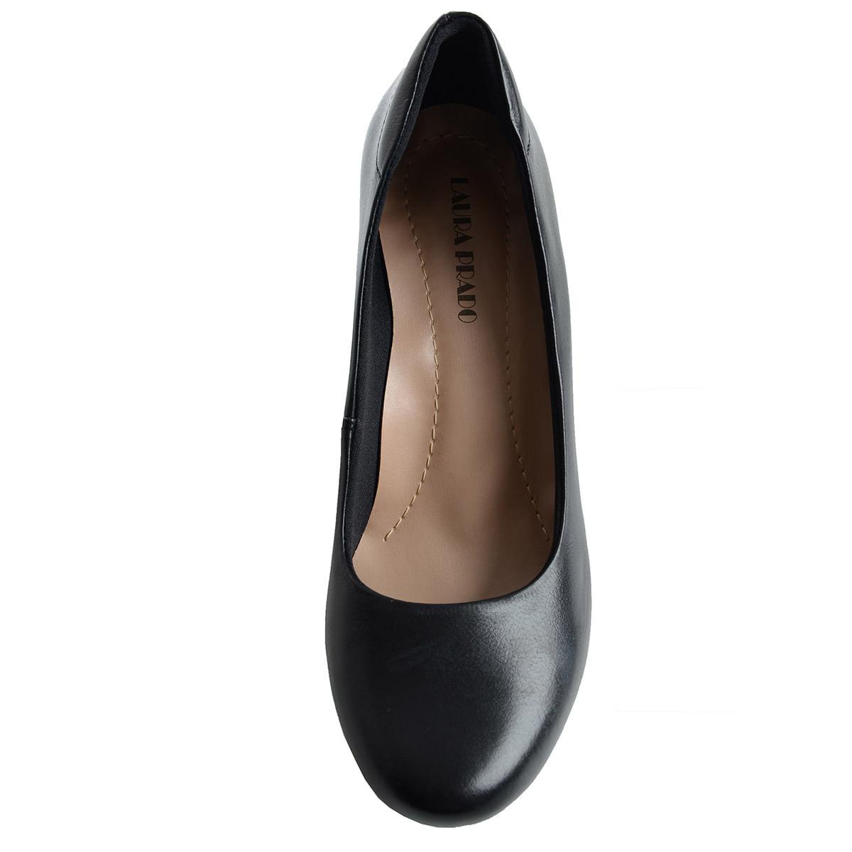 44c8138de Sapato Fechado Confort Preto - Laura Prado