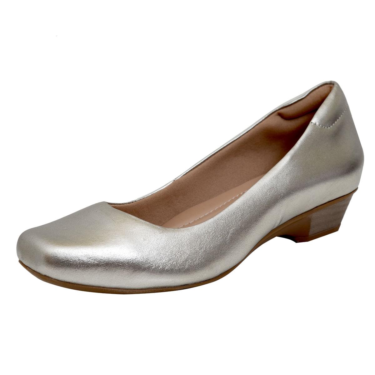 65ebf89cd Sapato fechado confort Prata Velho - Laura Prado